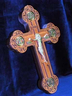 """Крест деревянный (Г) с бронзовым распятием,""""Келейный"""", 17106, с частичной поталью, золотыми буквами,"""