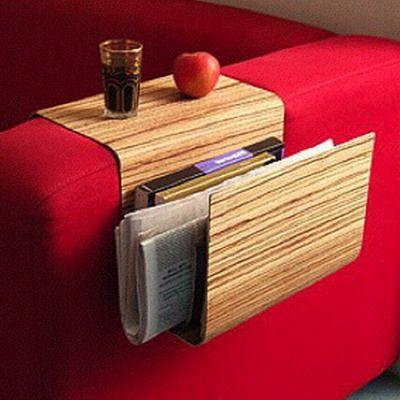 компактные столики на подлокотник дивана или кресла - удобная деталь интерьера, смотрите подробный обзор моделей и научитесь быстро делать его своими руками
