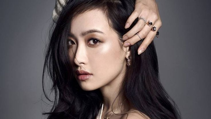 Victoria cast as lead in new Chinese drama 'Beautiful Secret'   http://www.allkpop.com/article/2014/11/victoria-cast-as-lead-in-new-chinese-drama-beautiful-secret