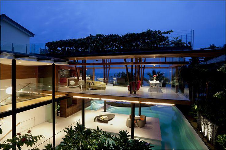 Eco-Friendly Beach House by GuzWilkinson