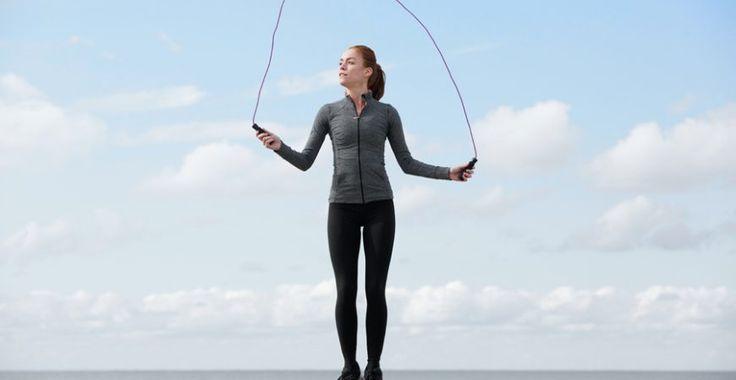 La corde à sauter en complément de la détox, c'est idéal ! Parce que c'est une activité complète et cardio qui va augmenter votre métabolisme !