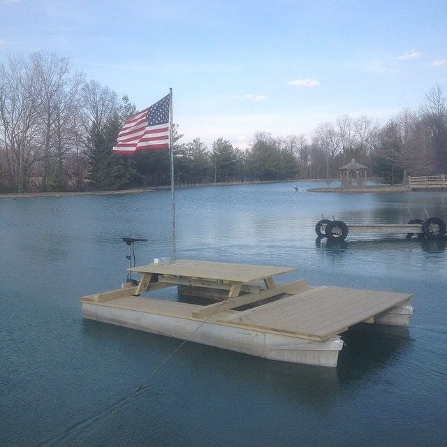 Diy picnic table pontoon party barge pontoon picnic for Picnic boat plans