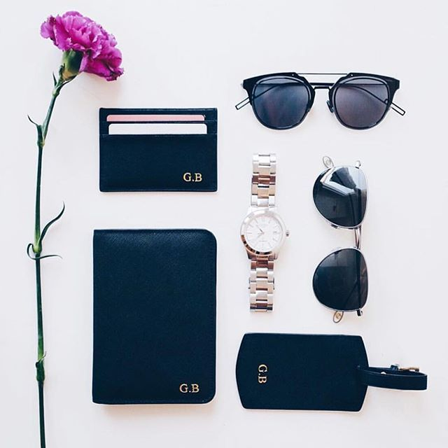 @gustavbrostrom shows us his set of our card holder, passport holder and our new travel tag launching tomorrow ✈️ #deriwe #traveltag #passport #cardholder #personalization