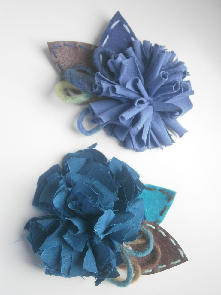 brooches-Blue cloth flowers