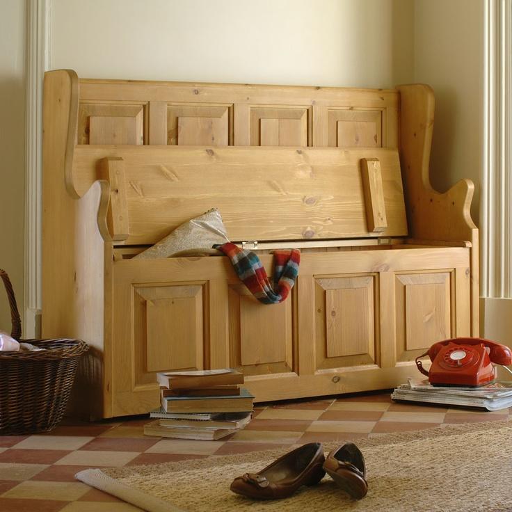 Hallway, monks bench, clever storage, british style