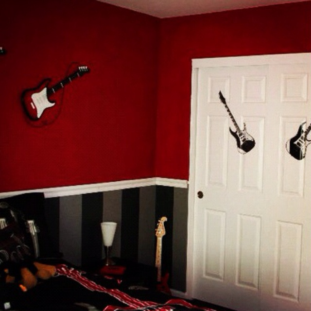 The Compromise Black Stripes On Bottom Except For My Sons Rooms Its Gonna