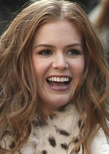 17 Best images about Celebrity Smiles on Pinterest | Nina dobrev, Alyssa milano and Isla fisher