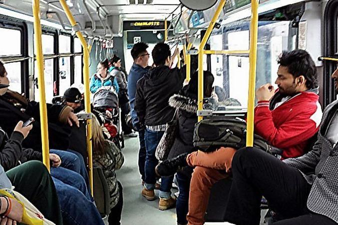 Warum Du Alten Menschen Keinen Platz Im Bus Anbieten Solltest