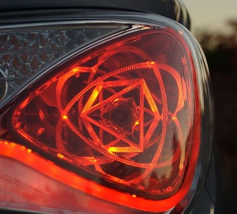 Hyundai Sonata Hybrid Atomic Tail Lights: Minutiae of the Minute | PlaysWithCars