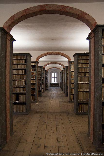 Historische Bibliothek Franckesche Stiftungen by christoph_zeun on Flickr.