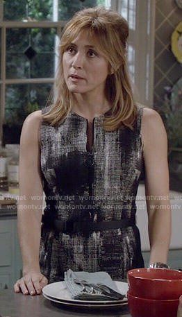 Maura's abtract print zip front dress on Rizzoli and Isles. Outfit Details: https://wornontv.net/50165/ #RizzoliandIsles
