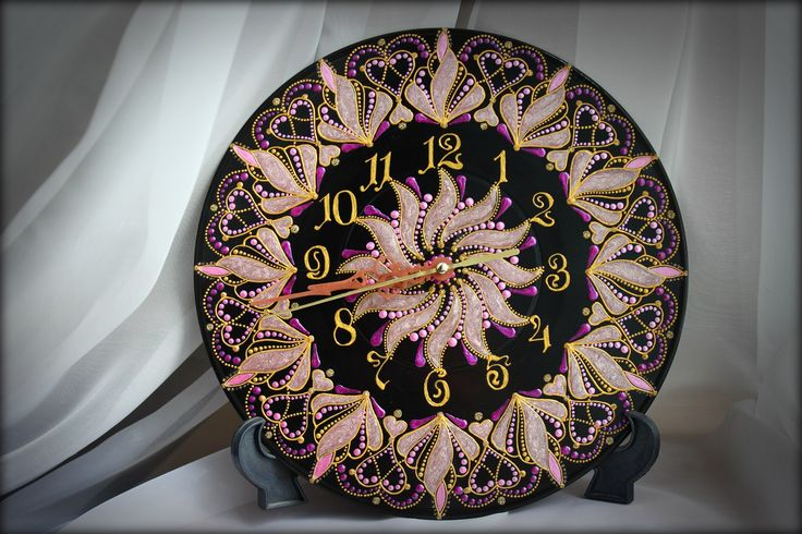 Часы на виниле - Пепел розы Диаметр 25см, кварцевый механизм бесшумного хода.