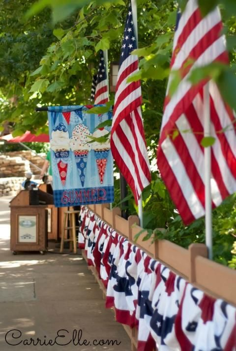 Silver Dollar City Star Spangled