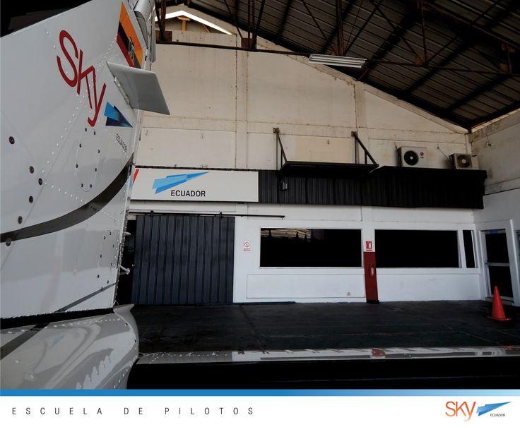 Nuestro hangar esta ubicado en el Aeropuerto José Joaquín de Olmedo (a un lado de #tame cargo)  Visitanos de Lunes a Viernes de 9 am a 5 pm.  no necesita cita previa !!!  información: info@skyecuador.com 04 600 8250 o ( 0969063172 solo WhatsApp ) www.skyecuador.com