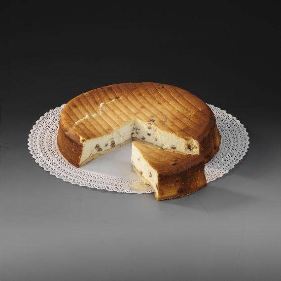 Sernik klasyczny  Polecany dla smakoszy serników w tradycyjnej wersji. Okrągły o średnicy 30 cm, doskonały do porcjowania. Na kruchym cieście gruba warstwa sera, którego złoty kolor powstały po upieczeniu stanowi jedyną dekorację i sprawia jednocześnie, że jest to wyjątkowo naturalny sernik.