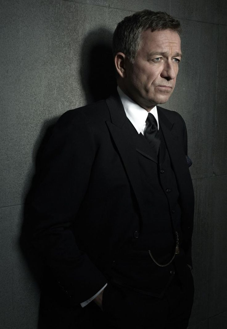 Sean Pertwee as Alfred Pennyworth, He is such a great actor, i LOVE him. Ahh, and his accent. :D
