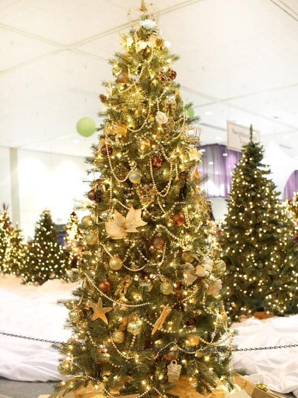 Latest Christmas Tree Decorating Ideas Part - 32: Decorating Modern Home Decor Canada Silver And Gold Christmas Decorations  Unique Christmas Decorations 600x800 Red And
