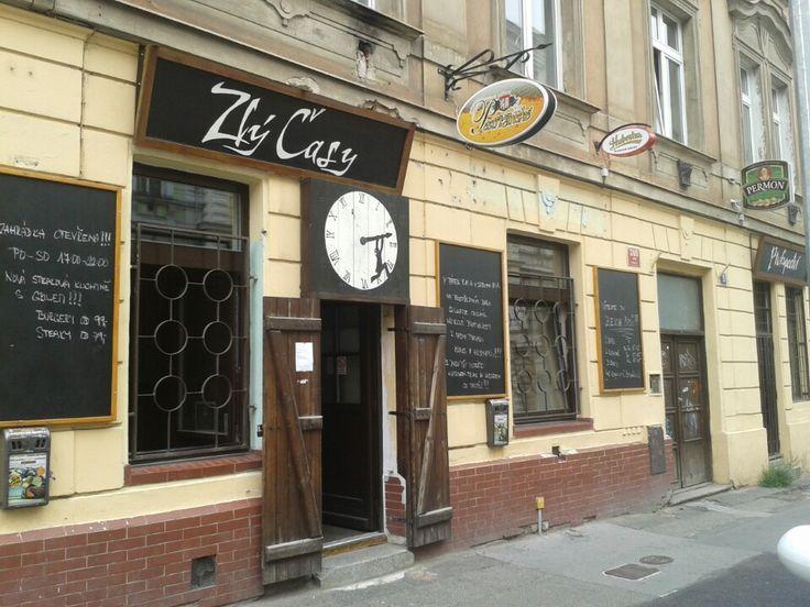 Zlý časy in Praha, Hlavní město Praha, beer & restaurant (NYT)