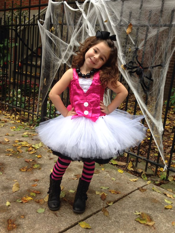 Draculaura tutu costume. Monsters High