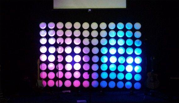 Bubble Backdrop :: Cornerstone Baptist Church {via churchstatedesignideas.com} White Round Plates + LED Lighting = COOL #paperplatebackdrop