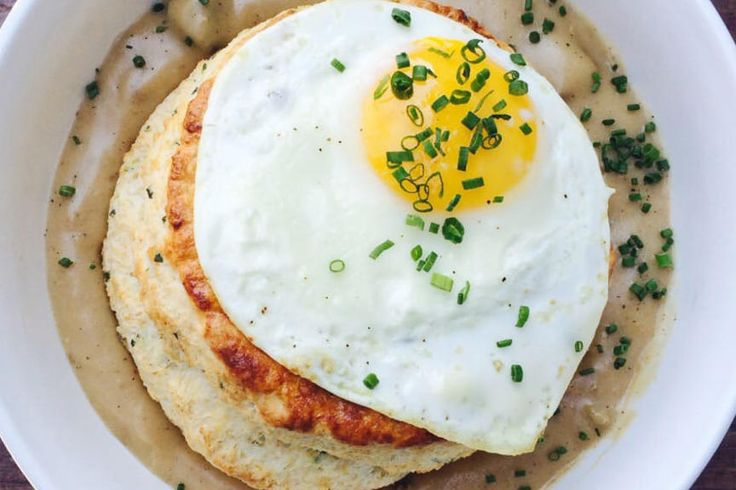 Kentucky - These Are the Best Brunch Spots in Every Southern State - Southernliving. Proudly serving farm-to-table goodness, Harvest Restaurant in Louisville is all about local flavor. Indulge yourself with hearty brunch dishes like the Big Ol' Biscuit and Gravy, which washes down perfectly with the Housemade Smoky and Spicy Bloody Mary. Your bill will likely total just over $20 per person, but this restaurant's 4.5 stars on Yelp ensure it's worth every penny.