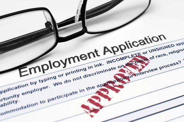 Pengalaman kerja menjadi salah satu hal yang cukup menjadi perhatian dan bahan pertimbangan perusahaan ketika menyaring calon karyawan baru..