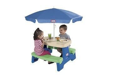 LITTLE TIKES - EASY STORE JUNIOR TABLE WITH UMBRELLA - Folds for storage