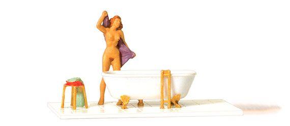 Preiser 28159 Physiques More Physiques Woman at the bath tub Spur H0 - メルクリン・フライシュマン・PIKO・ROCO・海外欧州鉄道模型通販【ワールド・トレイン】