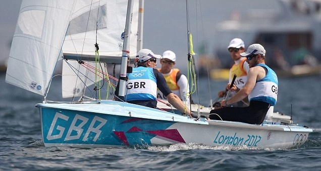 Luke Patience and Stuart Bithell win silver in the men's 470 sailing event