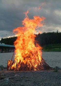 Enjoy the longest days and brighest time of the year with various traditional Midsummer festivities around Helsinki.