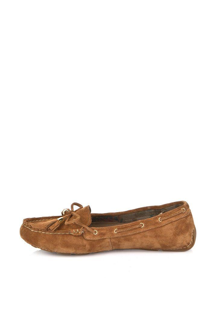 """""""Bohemian Voyage"""" konsepti ile hazırlanan ilkbahar yaz koleksiyonu 8 Mart'ta ayakkabı tutkunları ile buluşacak. Koleksiyonda; bohem çizgiler taşıyan sandaletler, çingene kültüründen etkilenmiş çiçek desenleri, maskülen ayakkabılar ve hippi tarzı dolgu topuklar ön planda yer alıyor.  Elle #MarmaraPark 3. katta."""