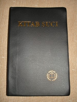Bible In Javanese Formal Translation / Kitab Suci / spoken by Javanese people from the central and eastern parts of the island of Java, in Indonesia