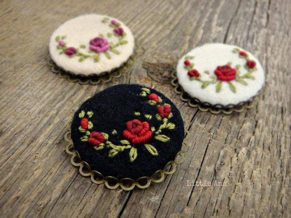 Rose Garden white and red round brooch by CorinaComarnitchi