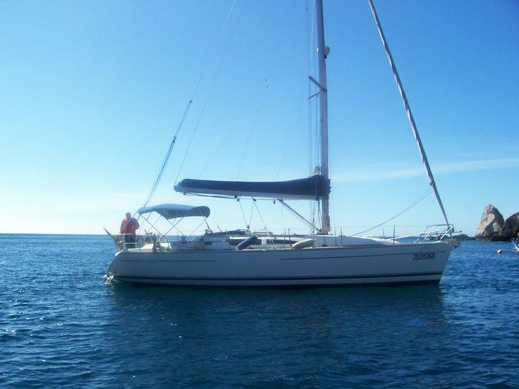 Sun Odyssey 40 sailing comfort and style #taormina #sicily