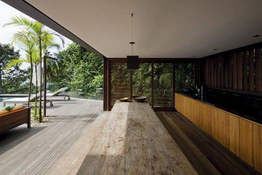 AMB House / Bernardes + Jacobsen Architeture