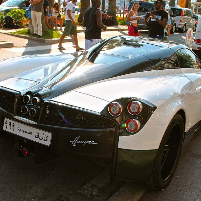 Pagani huayra cannes carspotter carsighter1 wow for Volkswagen cannes garage