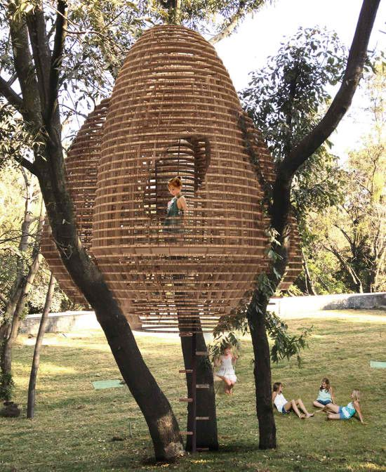 A family with three young girls wanted to build a treehouse ... so designed by an architect & built by a contractor