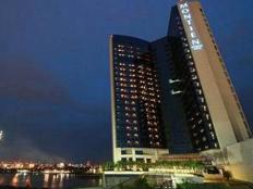 Montien Hotel Bangkok Where I am staying