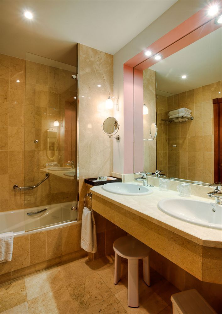 Soluxe Hotel Guangzhou, Guangzhou, Superior, Garden View (King Bed), Bathroom