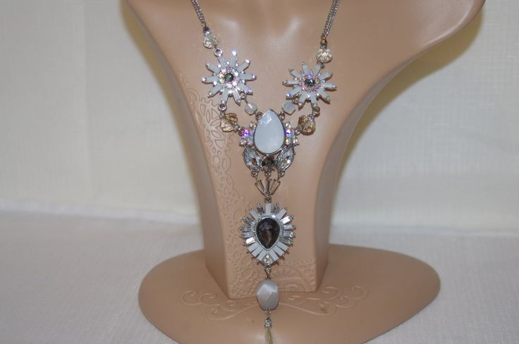 Ali Khan Crystal Starburst Silver Chain Lobster Clasp Necklace NWOT