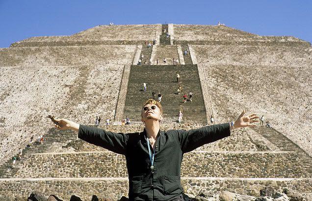 #DavidBowie in Mexico