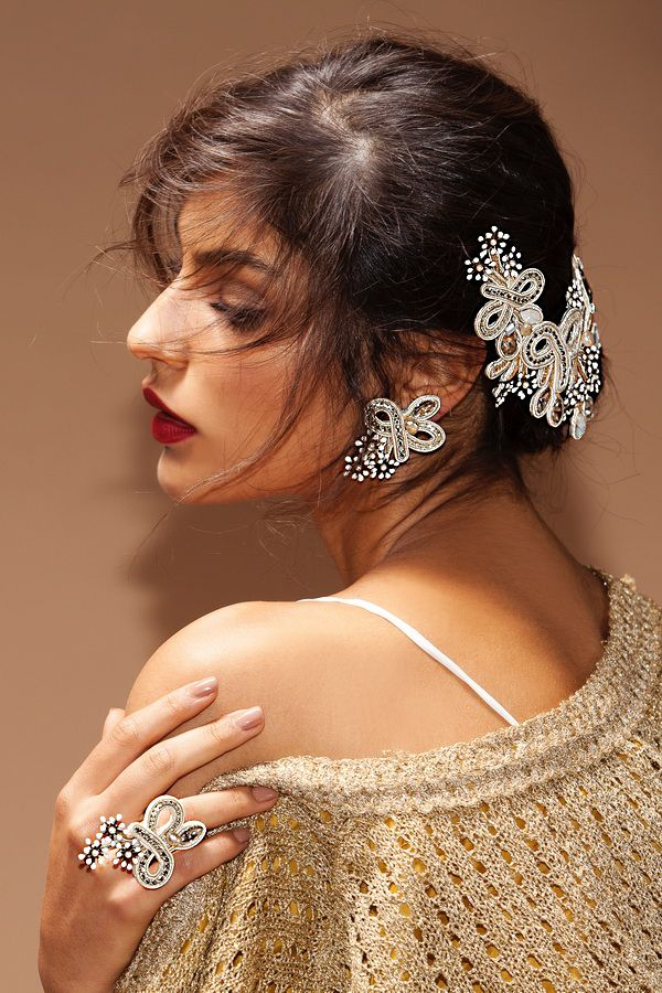 Dori's Stardust collection, bridal couture jewelry that will stand the test of time!   #doricsengeri #bridaljewelry #bridalaccessories #bridalwear #couturejewelry #doriearrings #doribridal