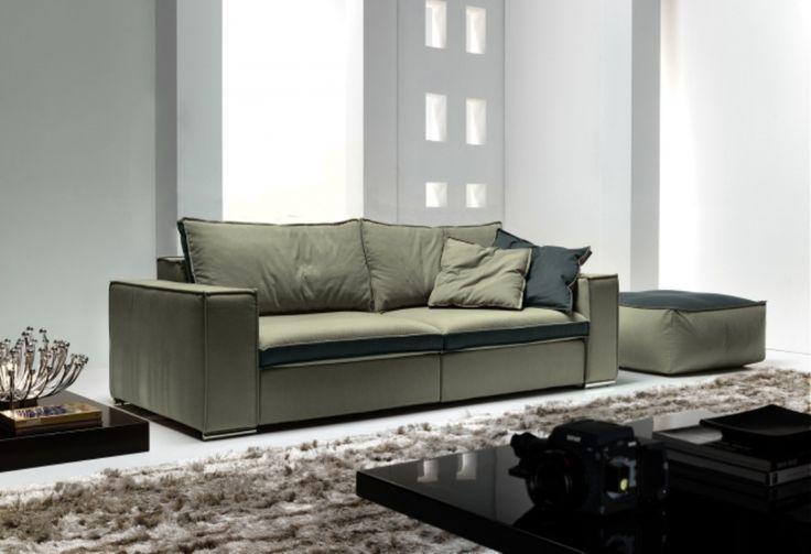 Il divano relax Boss mette in primo piano la comodita', grazie alle sedute scorrevoli che si allungano di 40 cm. e al poggiatesta reclinabile. Divani in tessuto e in pelle.