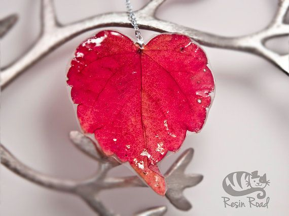 Romantic Woodland  Heart Shaped Red Ivy Leaf Necklace by ResinRoad, €20.00