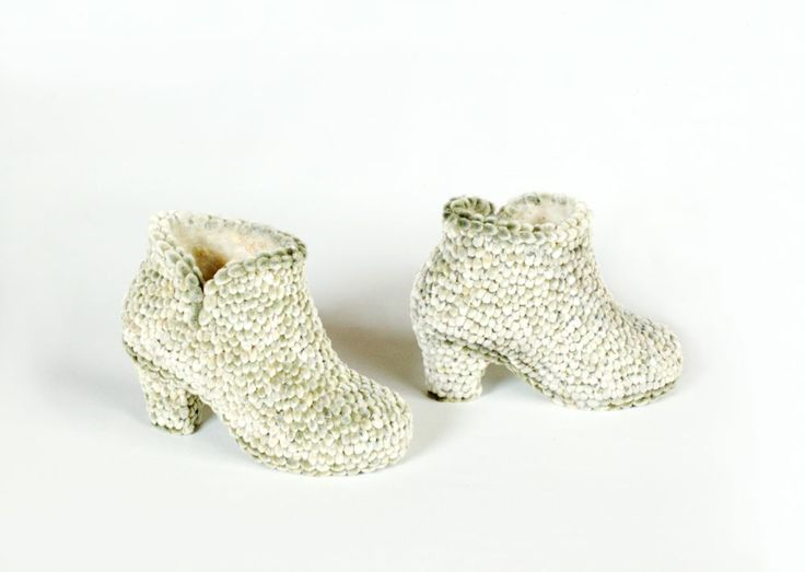 Anni Rapinoja, Warmshoes, 2009, made from willow