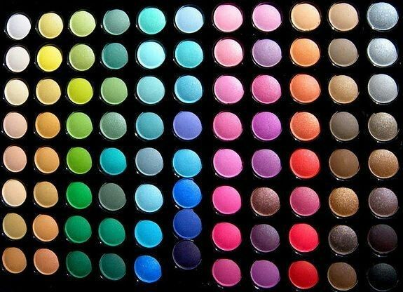 Colors the eys.!!