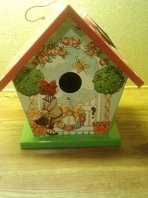 die besten 17 ideen zu vogelhaus bemalen auf pinterest gestrichene vogelh user vogelvilla und. Black Bedroom Furniture Sets. Home Design Ideas