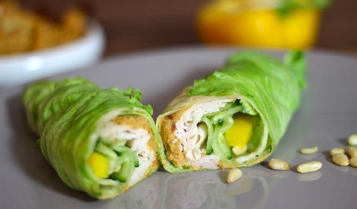 """Licht, fris en knapperig, dat is het gerecht wat vandaag in de spotlights staat. Een wrap gemaakt van sla, gevuld met o.a. gerookte kipfilet, komkommerplakken, avocado en hummus. Een salade, maar dan in de vorm van een wrap. Ben je bang dat dit niet vult? No worries, met twee wraps... <a href=""""http://cottonandcream.nl/wrap-van-sla-met-kipfilet-en-tomaten-hummus/"""">Read More →</a>"""