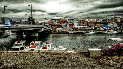 Çanakkale Resimleri - Topluluk - Google+ Sarıçay Balıkçı Tekneleri ve Yeni Köprü Çanakkale/TÜRKİYE