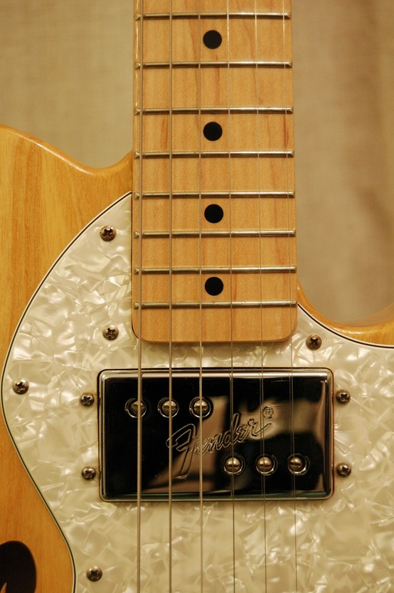 Fender Telecaster Thinline '72 guitar in Natural Finish. This guitar was made in the Ensenada Plant Mexico in 2007-2008.